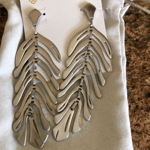 Kendra Scott Lotus earrings in Silver